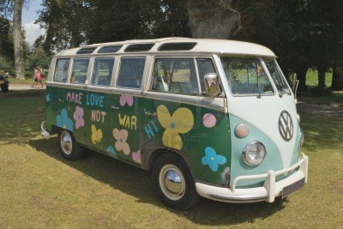 13686551-vw-camper-van