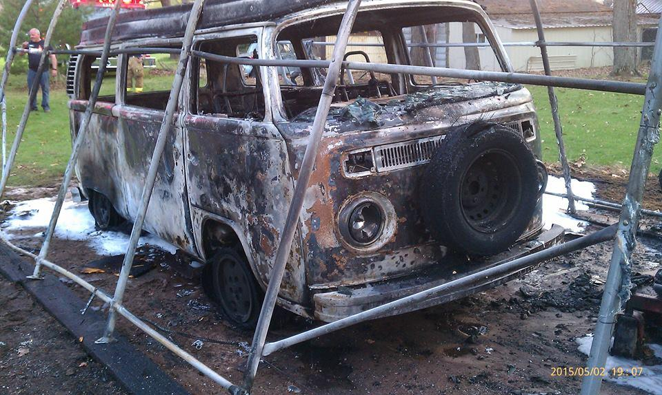 5041525812-VWcamperfire